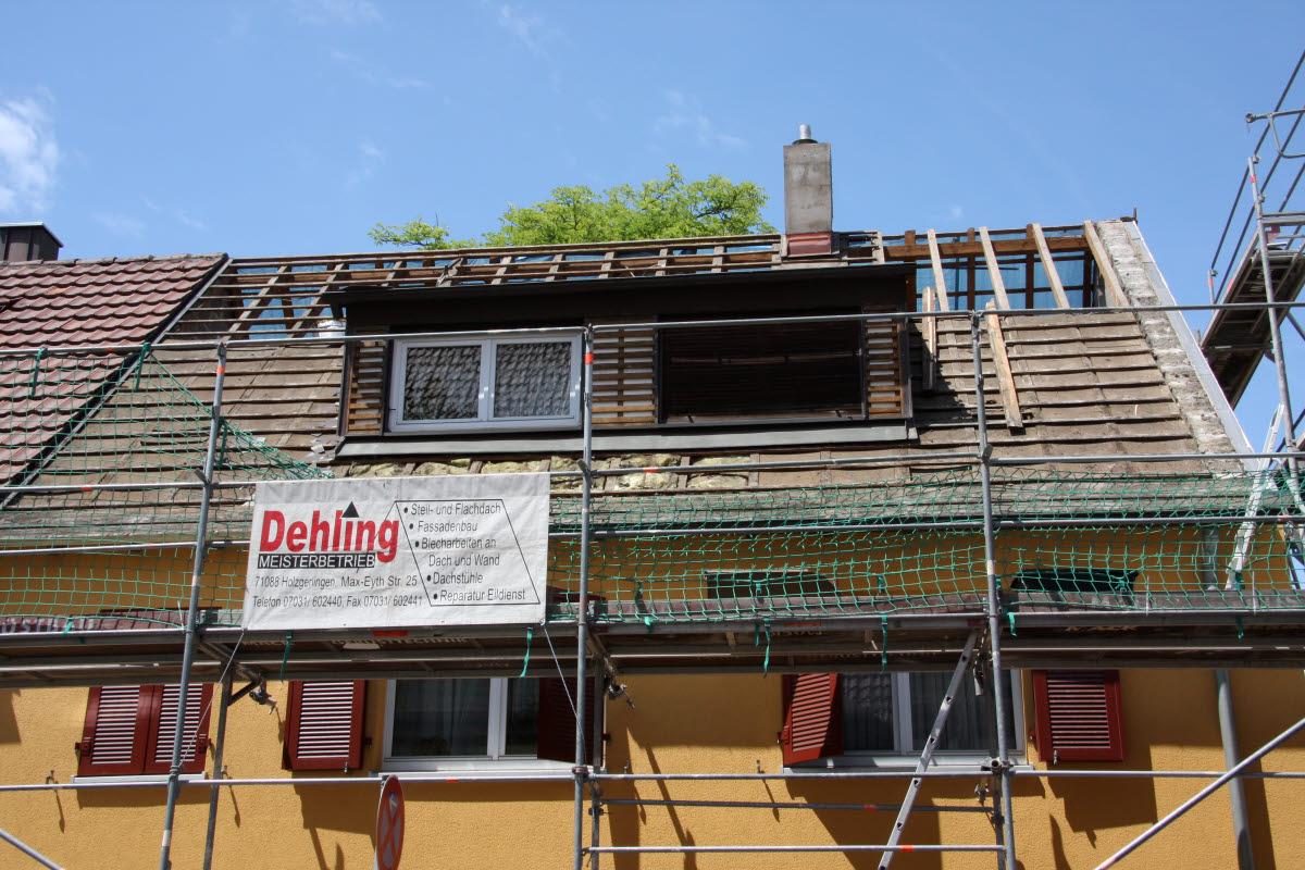 Tag 1 (Mit): Das abgedeckte Dach vorne