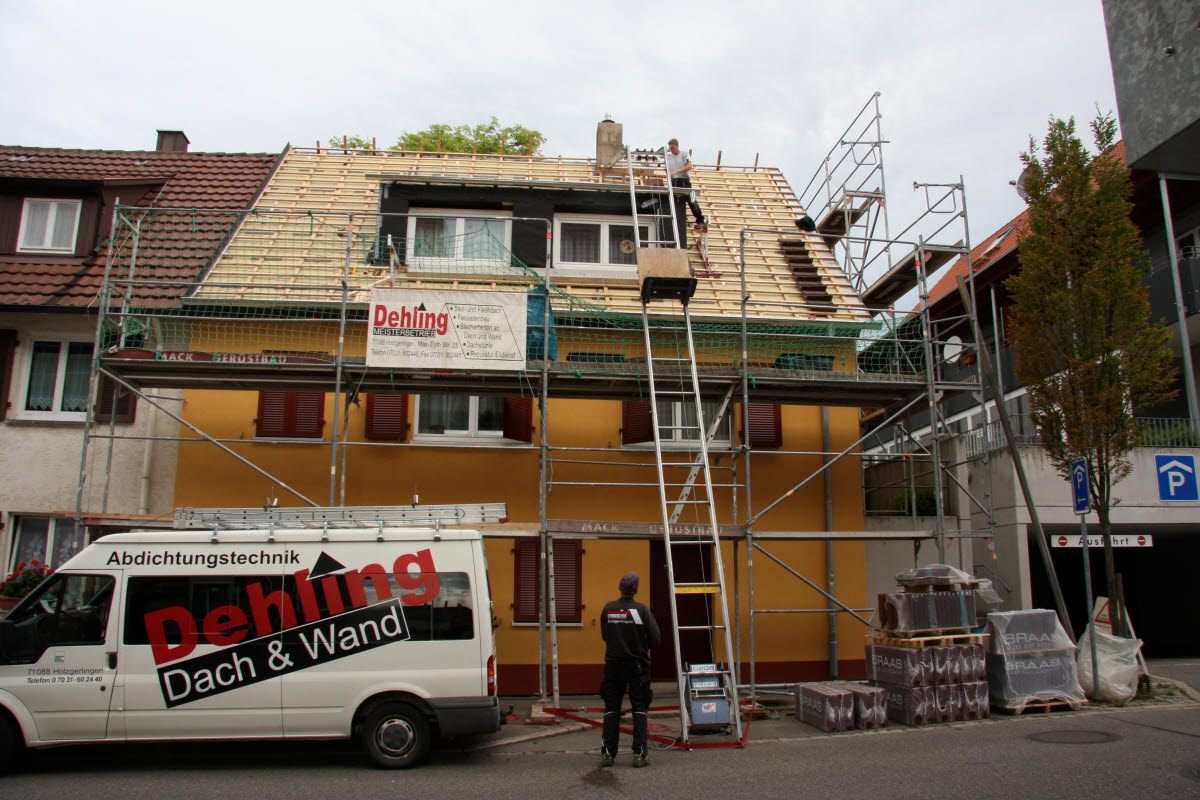 Tag 5 (Di): Die ersten Dachziegel ...