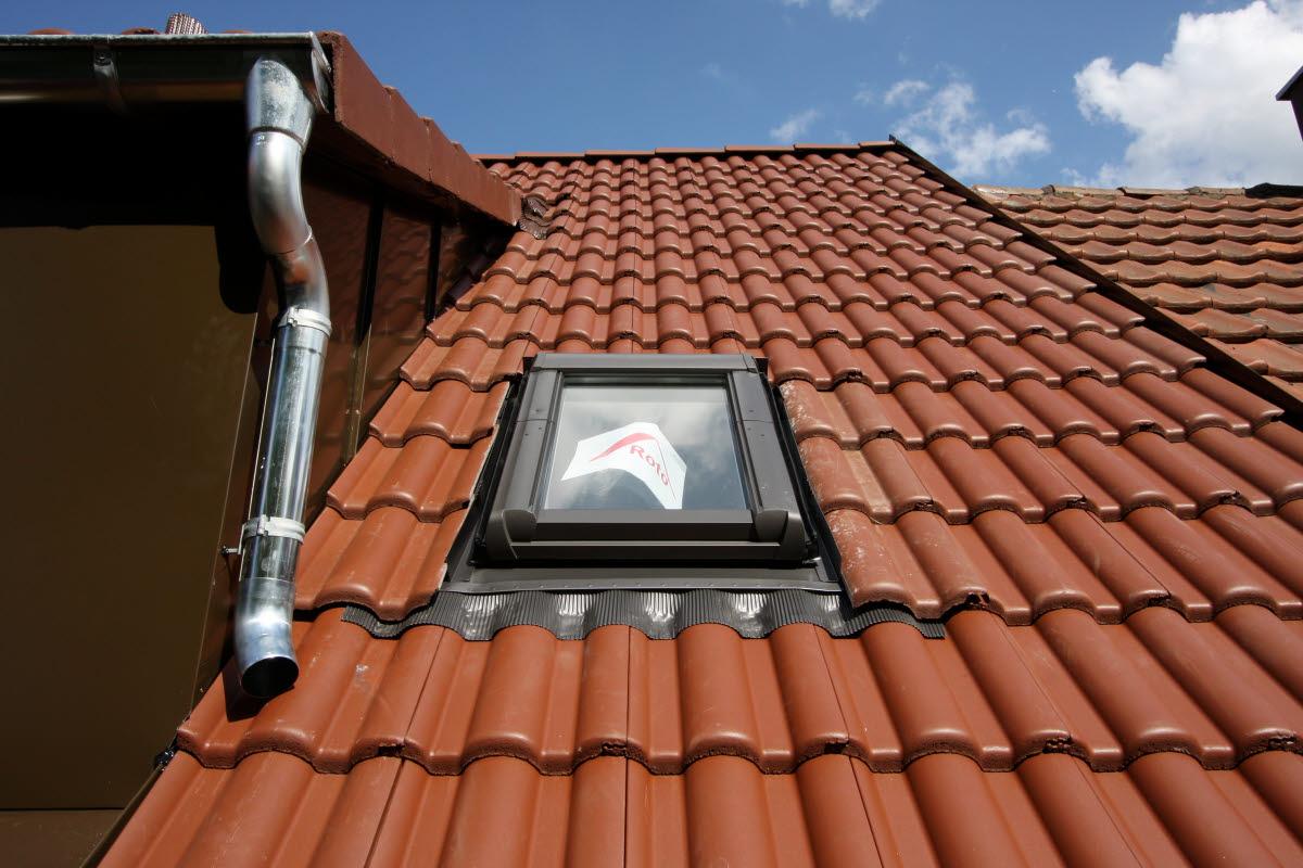 Fertig: Neues Dachfenster, dicht und isoliert