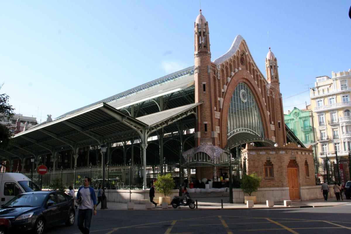 Stadtbesichtigung, ehemalige Markthalle