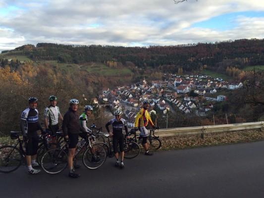 Wild-Berg Blick: Wolfgang, Peter, Siggi, Ralf, Ulli, Herbert und Ali hat das Bild gemacht.