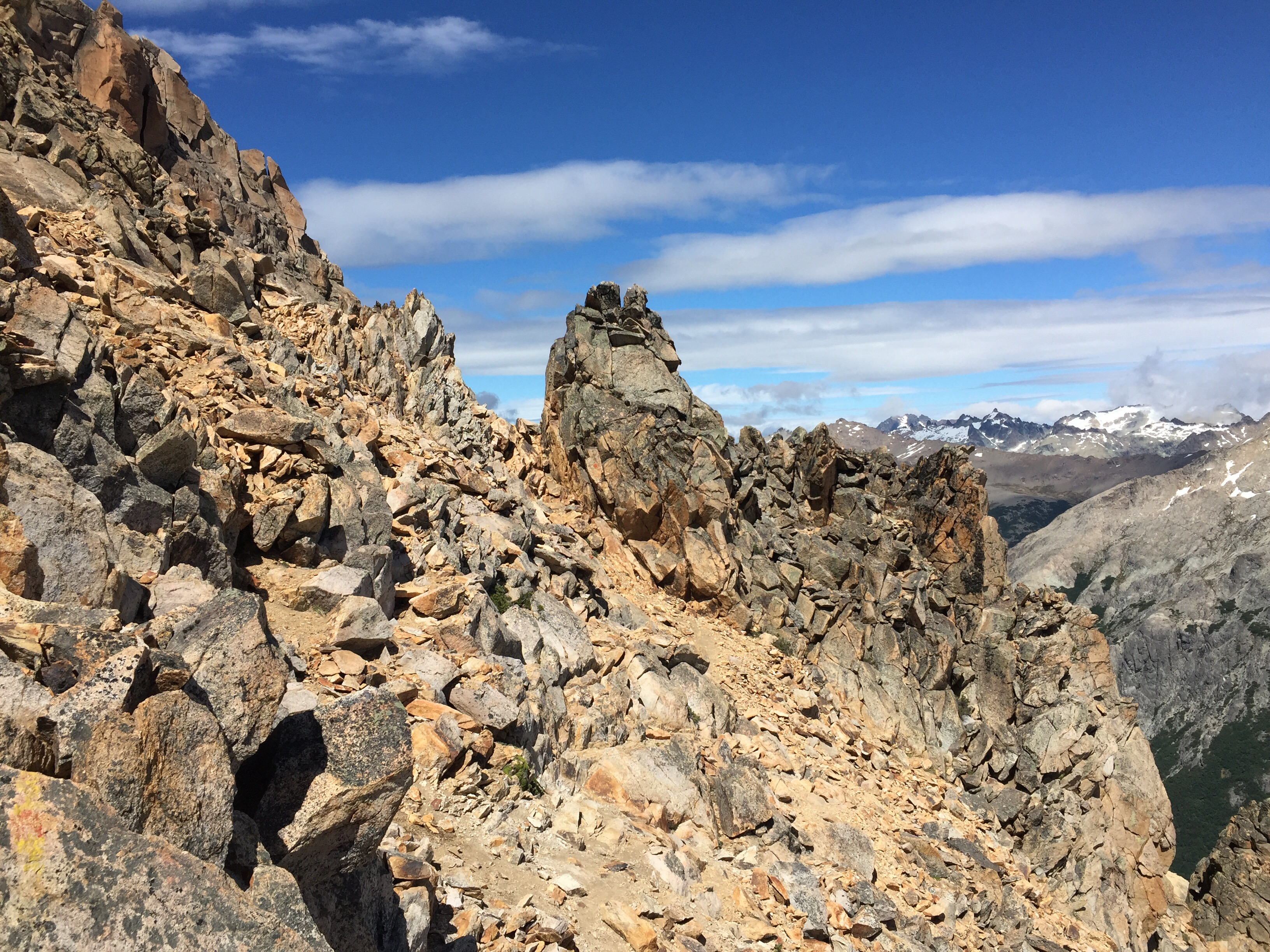 Hochgebirgswandern am Grat des Cerro Catedral